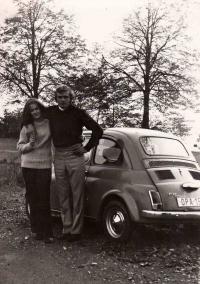 Jaroslav Kukol s budoucí manželkou / kolem roku 1971