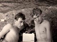 Jaroslav Kukol (vpravo) a Zdeněk Pika / Žimrovice / 1964