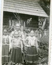 S matkou a sestrami v Litmanové