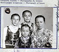 Fotka do pasu na cestu do USA c. 1947