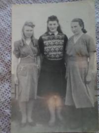 Photo from gulag, Valentyna Platonivna on the left