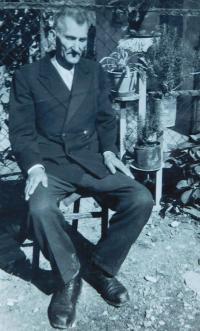 Dědeček Savo Šobota v obci Laktaši v tehdejší Jugoslávii
