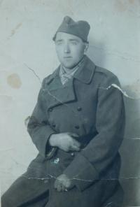 Otec Milan Šobota nejspíše v jugoslávské armádě