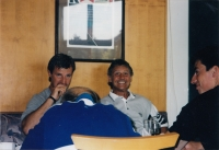 S Jágr Teamem na tenise, zleva: Petr Svoboda, Richard Farda, Tomáš Kaberle