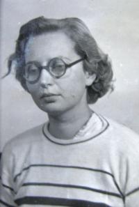 Vězeňská fotografie E. Mádrové