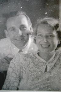 Eva Mádrová s manželem po svatbě v roce 1950